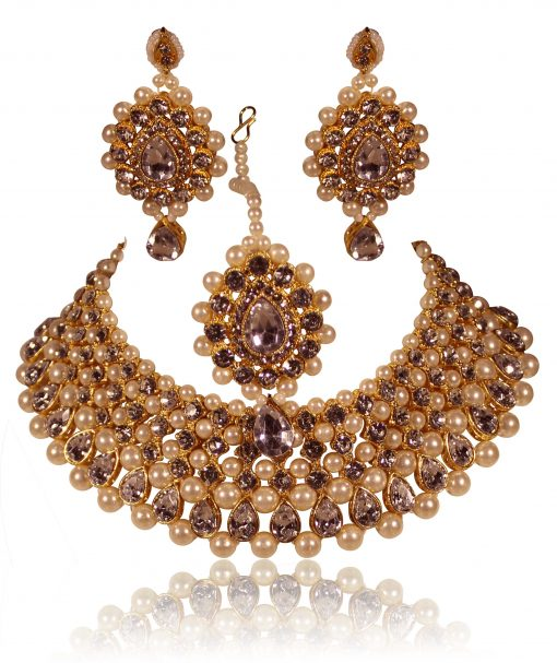 Crafinart Golden Non Precious Metal Traditional Kundan Choker Necklace Jewellery Set with Earrings and Mang-Tika for Women1